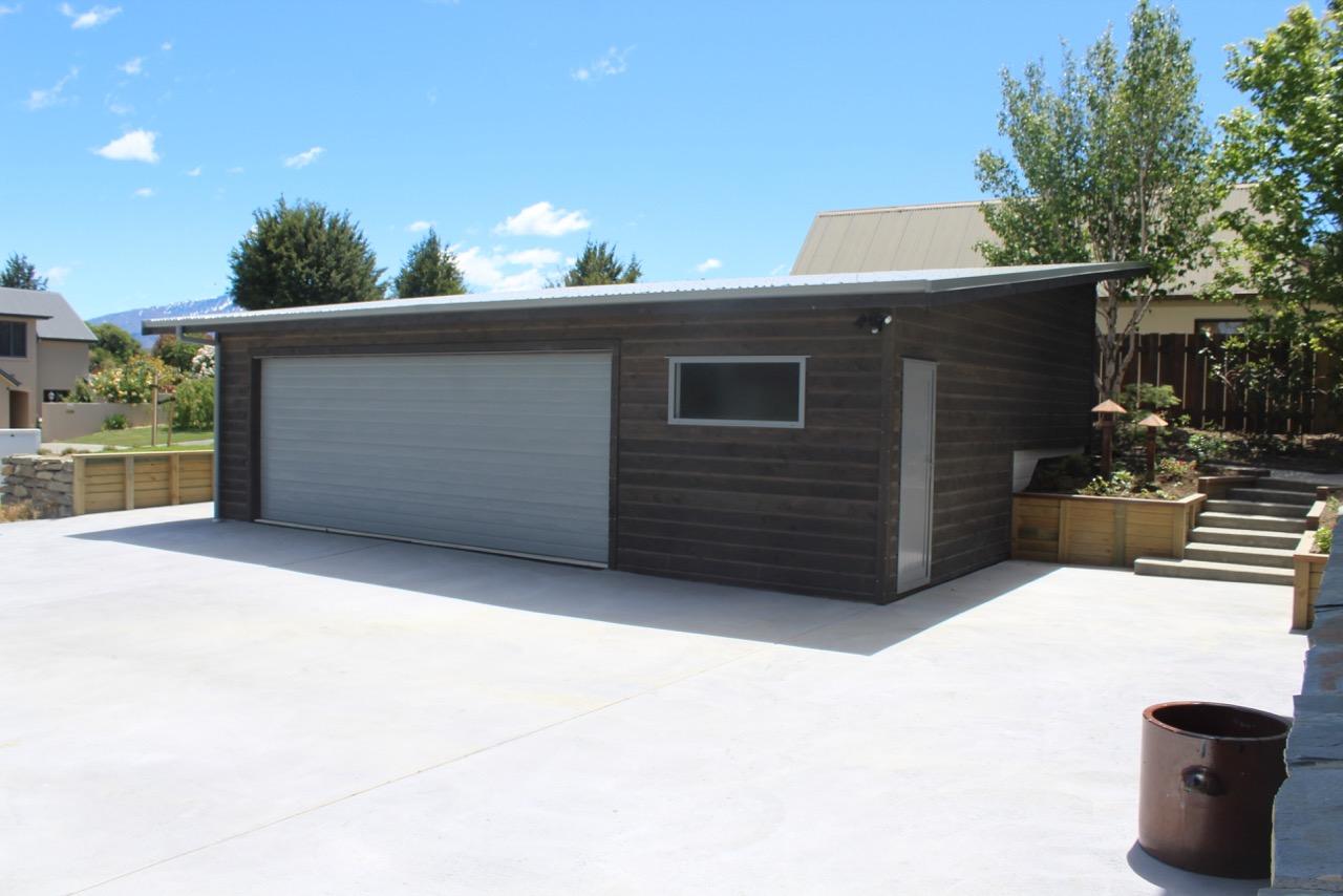 Architecturally Designed High-end Garage